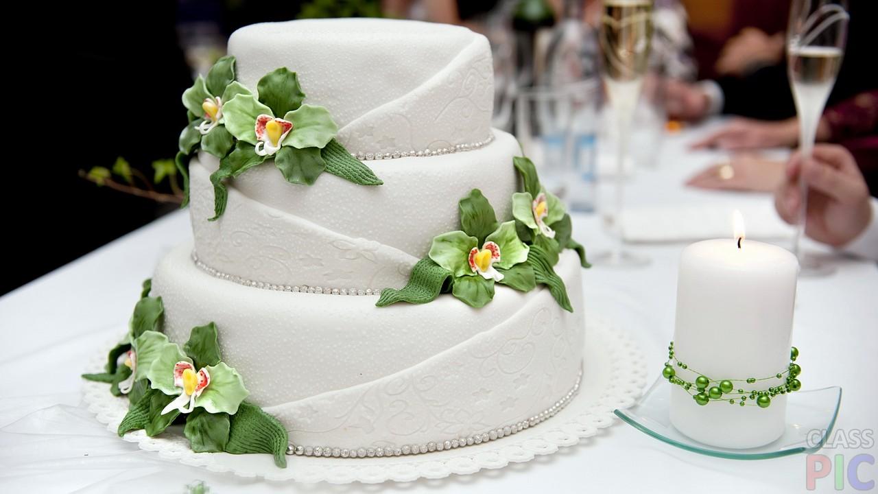 Оригинальные свадебные торты (27 фото)