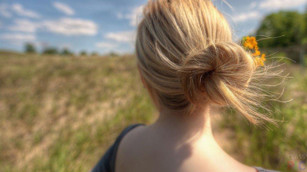 картинки девушек сзади блондинка была изнасилована