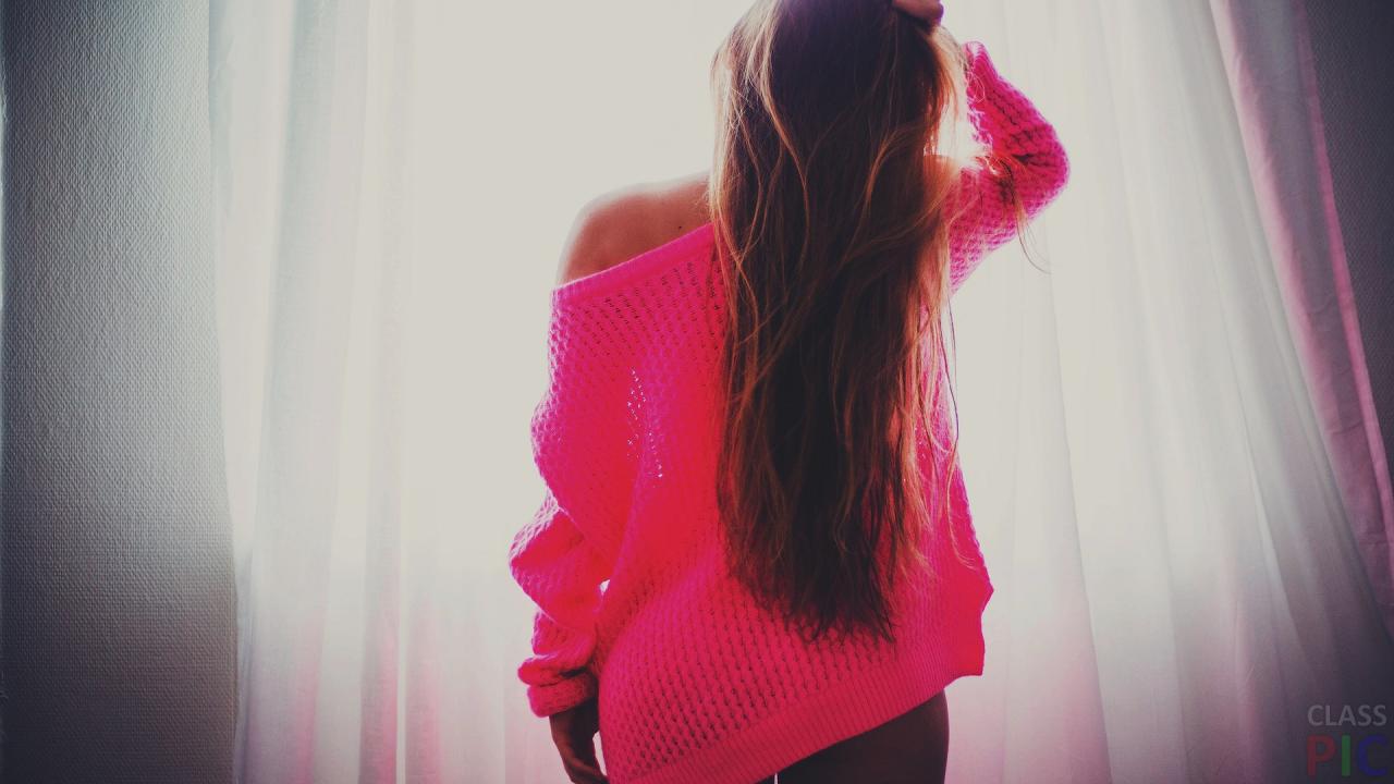 Картинки на аву для девушек красивые новые со спины брюнетки с розами