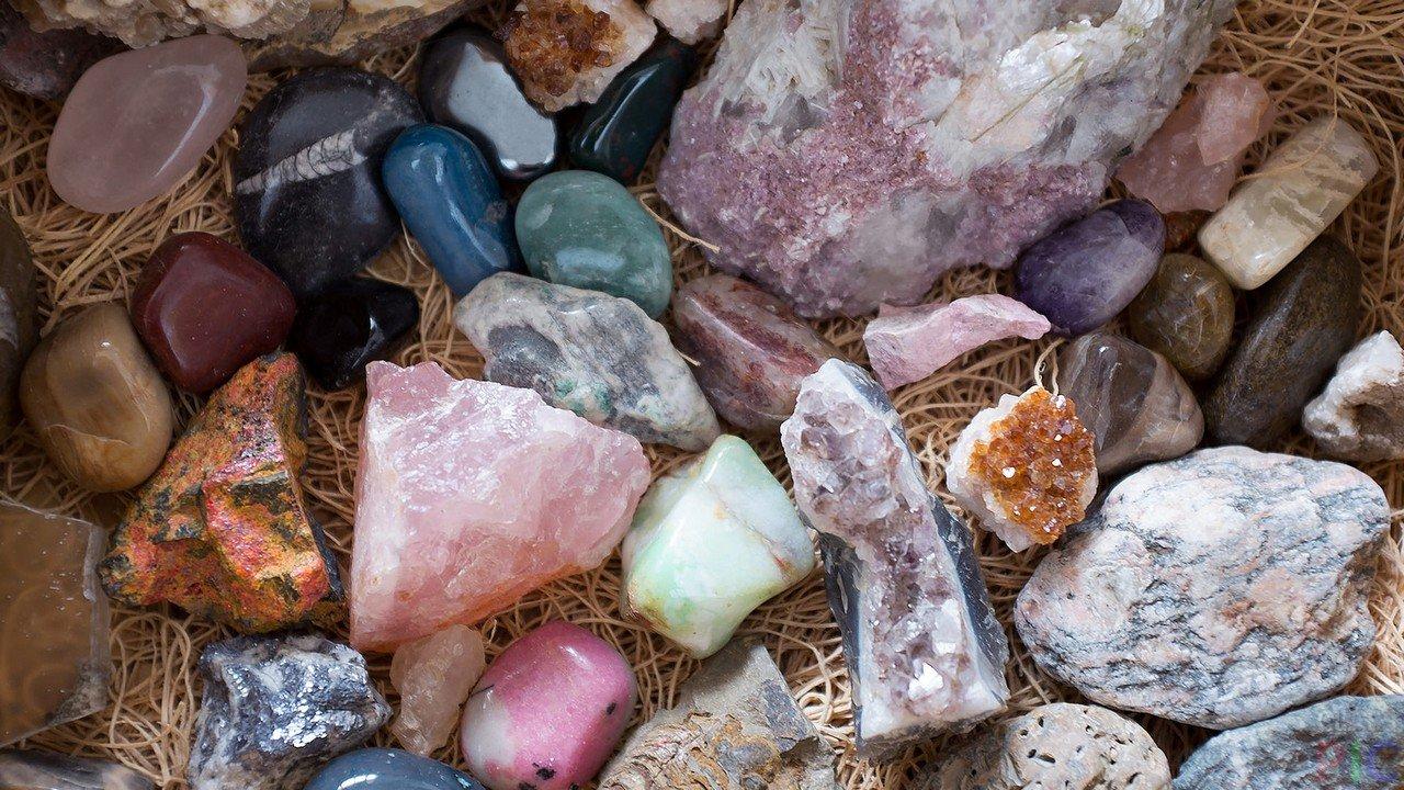 подходящую вашему натуральные камни в природе фото и названия всегда уместны, сумма