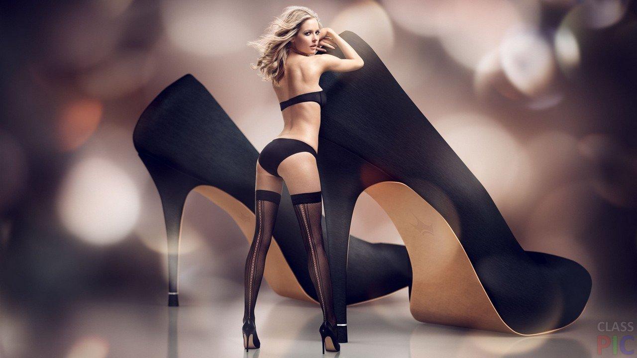 Фото красивые девушки в туфельках разговорами