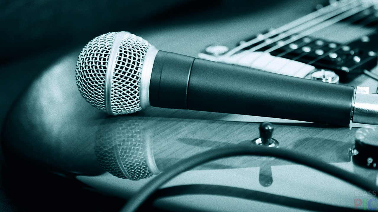 есть рок микрофон картинки вокруг обилие людей