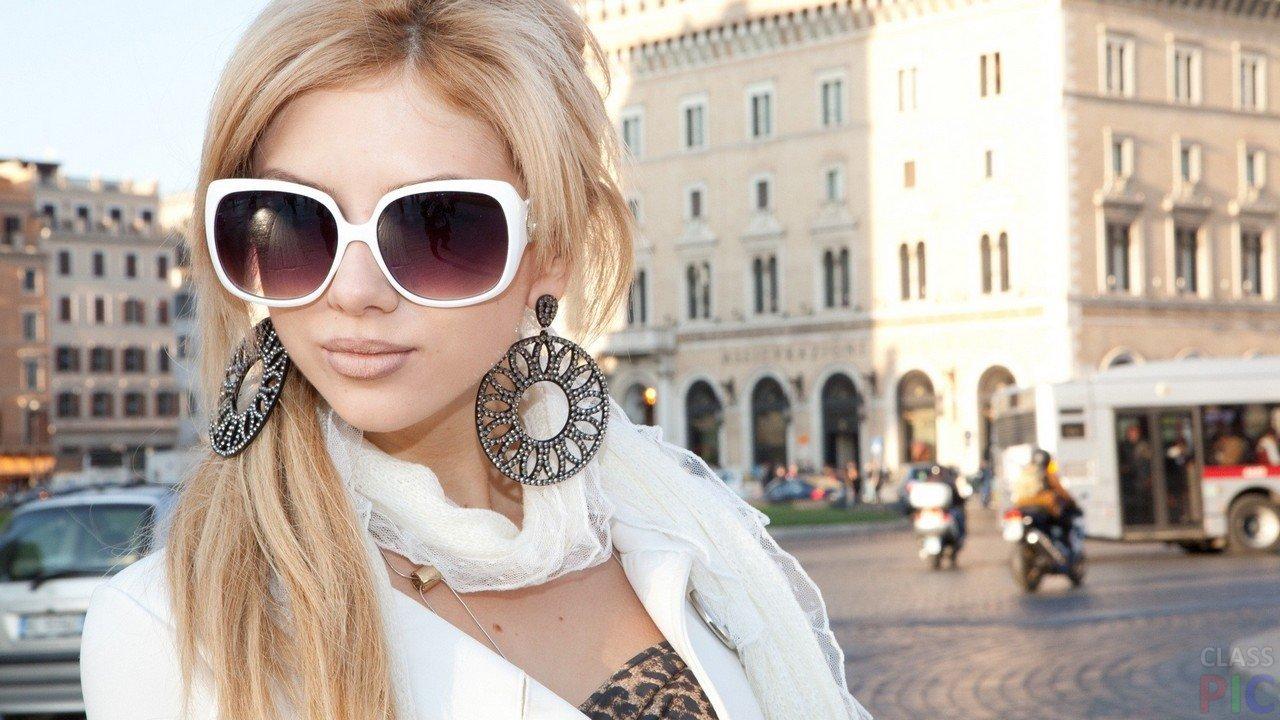 Классная Блондинка В Очках