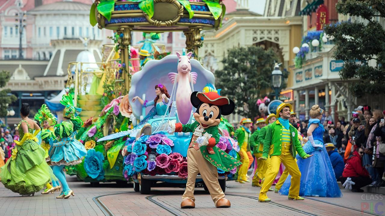 Disneyland parade upskirt photos