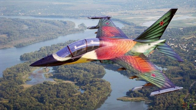 Летящий самолёт (60 фото)