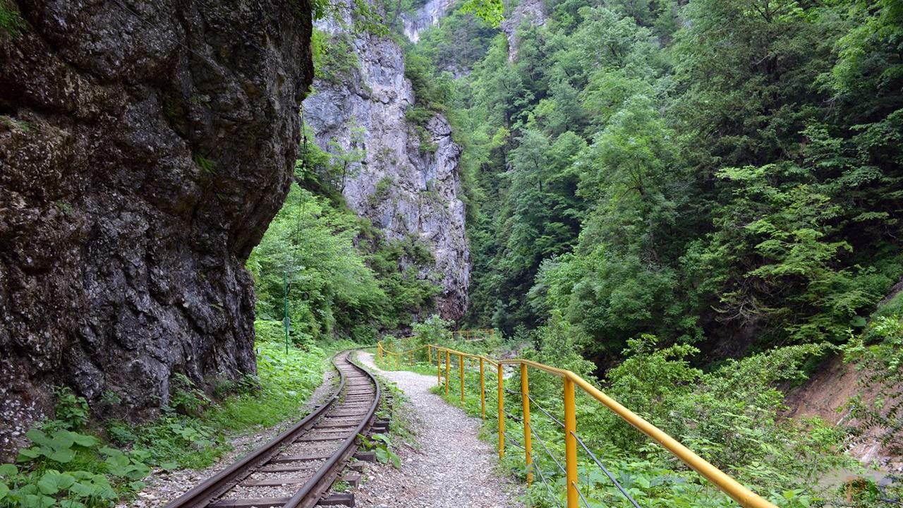 Гуамское ущелье (26 фото)