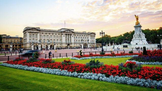 Букингемский дворец (34 фото)