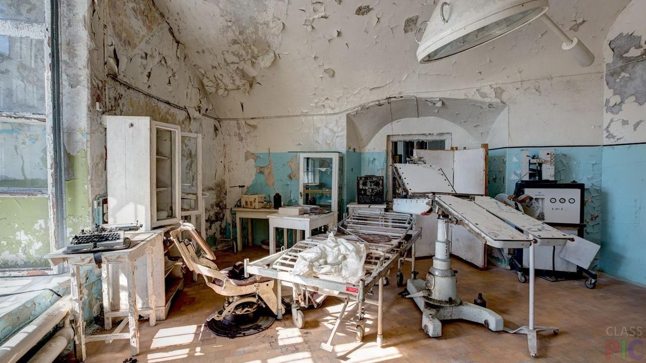 Заброшенные больницы (32 фото)