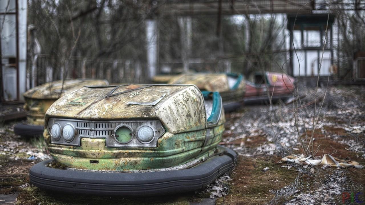 Заброшенный парк (31 фото)