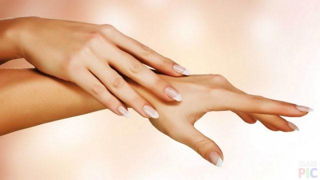 Руки девушки (43 фото)