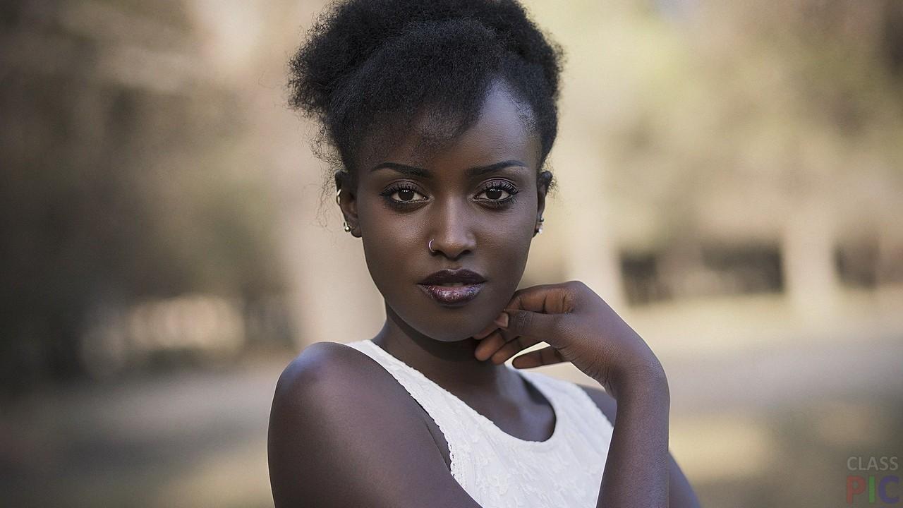 Чёрные девушки (27 фото)